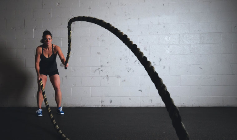 woman-rope-workout